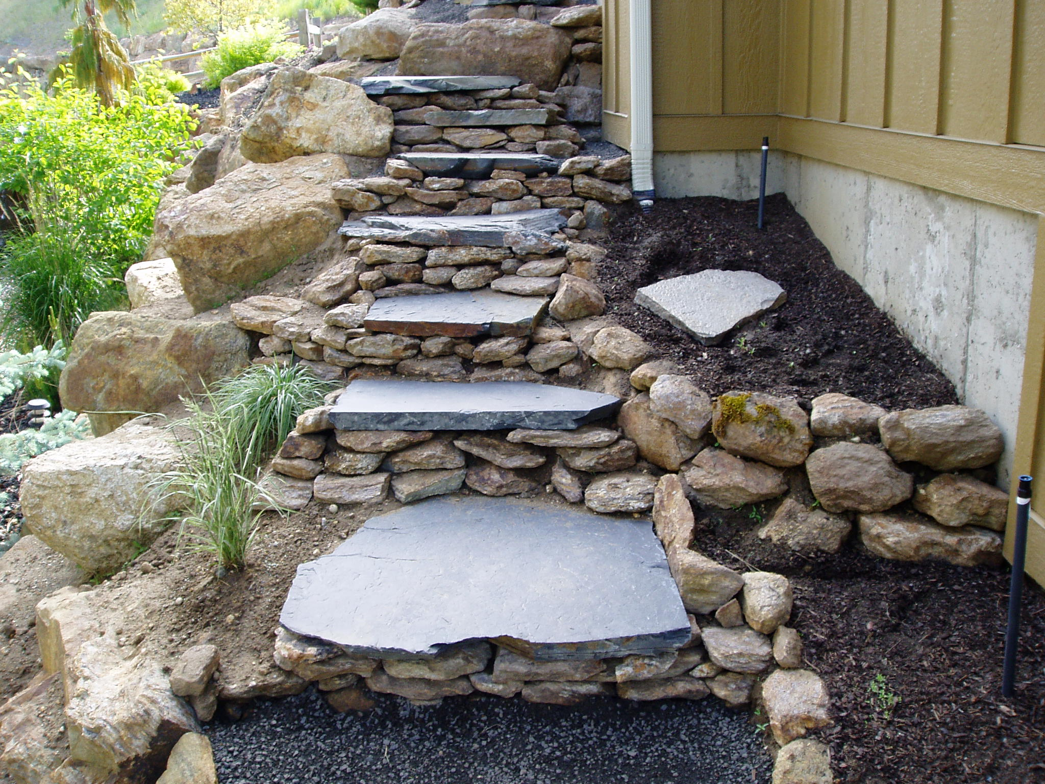 Flagstone and steps sunrise inc 509 926 3854 for Pictures of stone steps